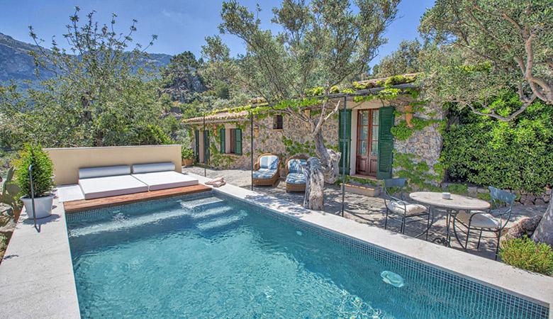 sa pedrissa gran suite with private pool