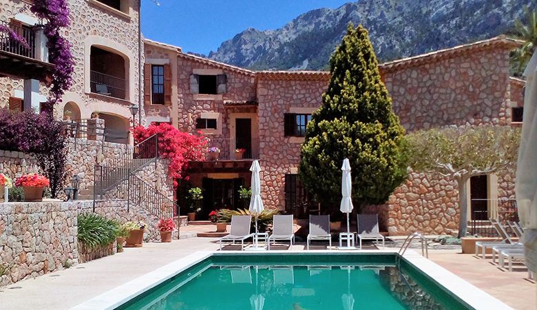 sa tanqueta fornalutx pool and apartments